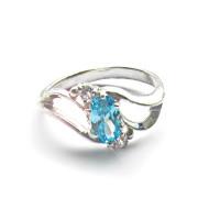Серебряное кольцо Топаз
